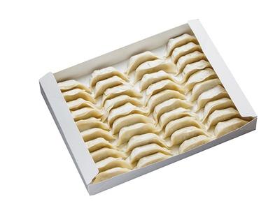 「伊都生ぎょうざ」(40個1080円)。餃子の具材は、新鮮かつ安心安全にこだわり、100%国産品を使用する
