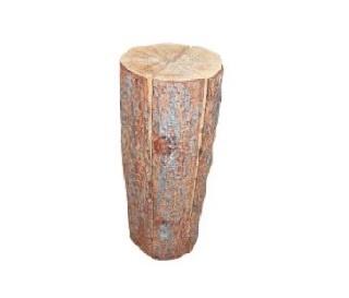 ウッドキャンドルは切り込みを入れた木に燃料の染み込んだおがくずを入れて燃やす