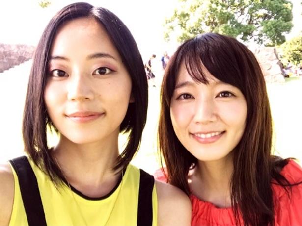 大西礼芳、吉岡里帆(写真左から)がツーショットを公開