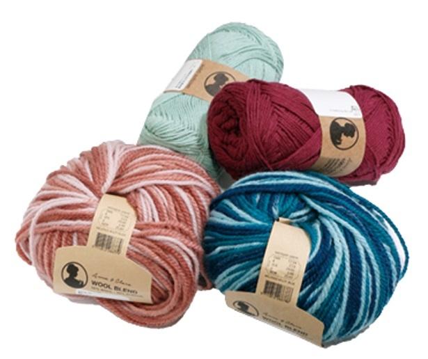 色合いが充実している毛糸(大)は283円ほか取り揃えがある