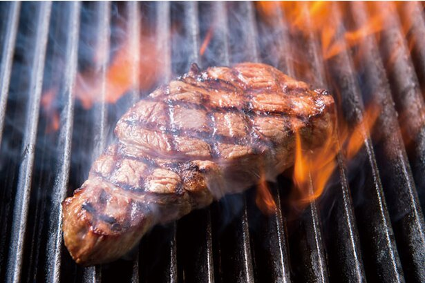 北九州では数少ない熟成肉ステーキ専門店「RED&BLACK STEAKHOUSE(レッドアンドブラック ステーキハウス)」のプライムステーキ