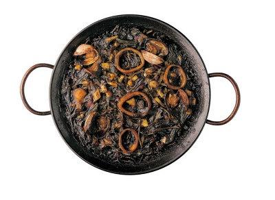 神楽坂「スペイン厨房 ぷらてーろ」イカスミのフィデワは海のうまみが詰まっている