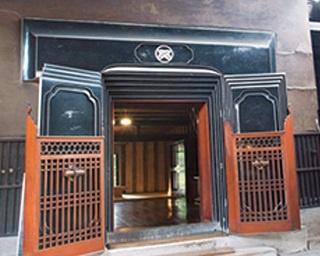 明治期の商家を利用した増田観光物産センター「蔵の駅」