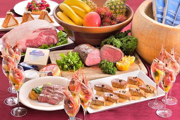 「スーパーブッフェ」では、A5ランクの宮崎牛ステーキなどを用意