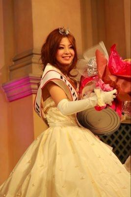 受賞直後の様子 Barbie賞の樋野千美さん