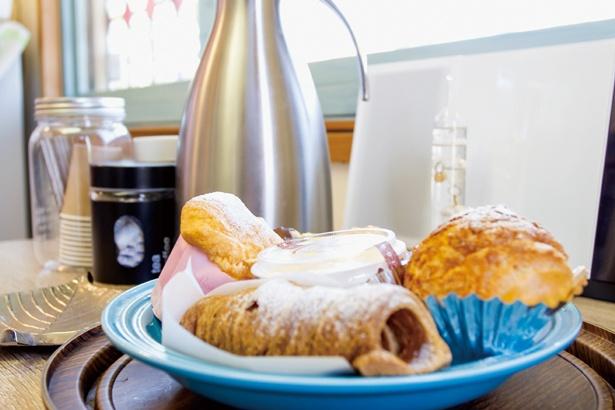【写真を見る】夏スキーを楽しんだら、近くにあるスイーツショップで、自家炊きのカスタードを堪能しよう!