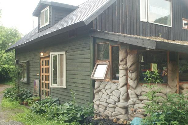 「どこか農場たまごカフェ」/店舗外観