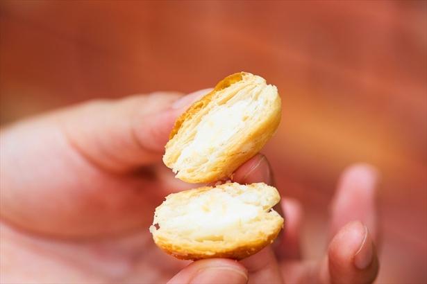 【写真を見る】パイの中には共同開発のソフトクリーム風チョコ
