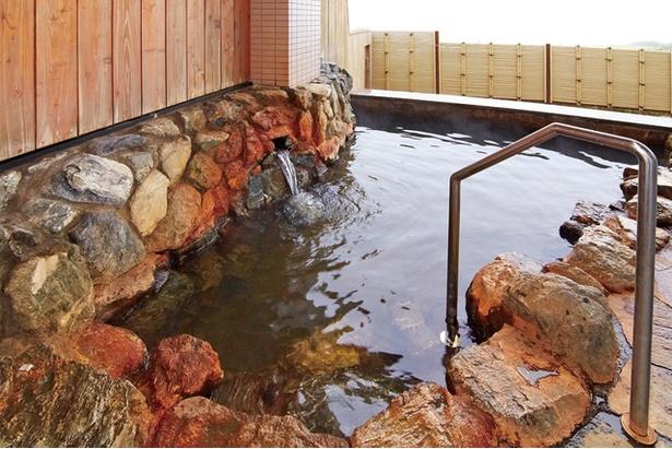 浜中町の中でも小高い湯沸山の一角に位置する町営の温泉保養施設。