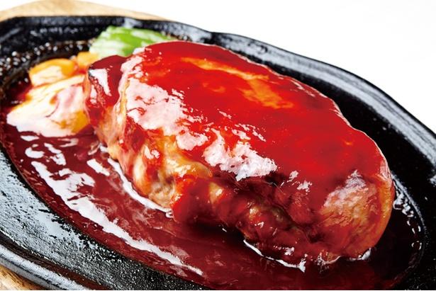 国産豚肉の生ロースの厚さはおよそ7cm。それをじっくりとオーブンで焼き上げた一品です!