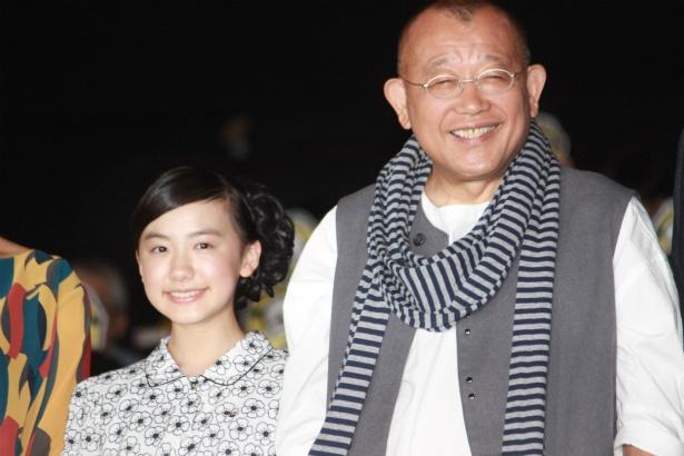 『怪盗グルーのミニオン大脱走』の声優を務めた笑福亭鶴瓶と芦田愛菜