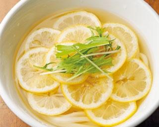 キンキンに冷えたダシとレモンが最高!「今雪」の檸檬うどん