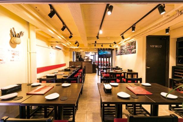 黒と赤を基調にしたシックな店内/ステーキ食堂BECO 福島店