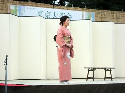 語り芸術家の平野啓子さんもイベントに登場