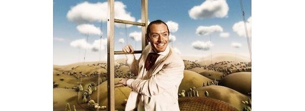 """『Dr.パルナサスの鏡』で""""才能と名声の世界のトニーを演じる""""ジュード・ロウ"""