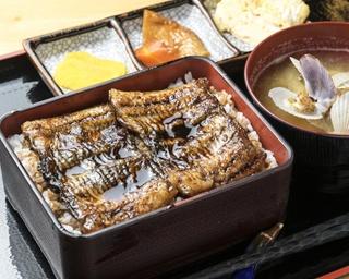 和食を中心に定食やラーメンなど大衆的なメニューが豊富な食事処だが、それだけではなかった……