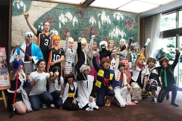 2016年開催時は「ゲゲゲの鬼太郎」の鬼太郎のコスプレを披露(中央)