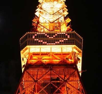"""""""照明が消える瞬間を一緒に見ることができたら幸せになれる""""という恋伝説にちなんだ東京タワーの「クリスマス・ライトダウンストーリー」"""