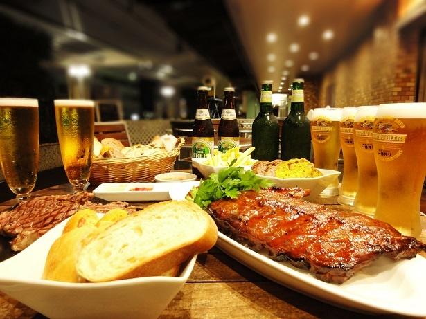 【写真を見る】多くの星付きレストランやホテルのシェフから支持を受けるメゾンカイザーのお食事パンが食べ放題