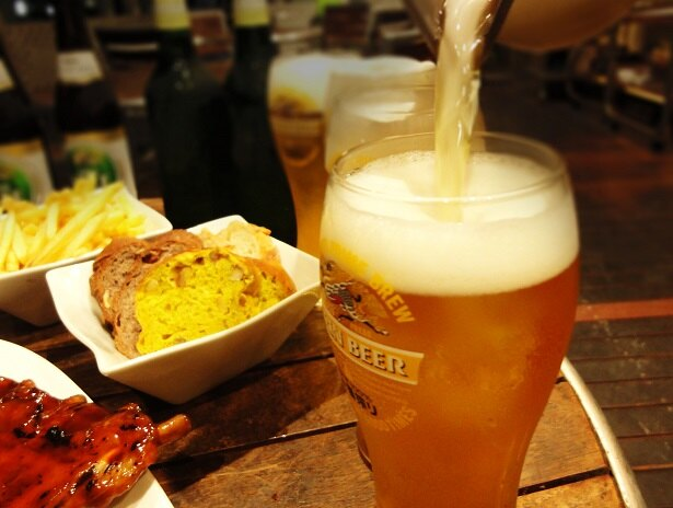 生ビールやワインの他、4種のクラフトビールが飲み放題