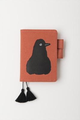 「BLACKBIRD」をテーマに、この曲で歌われているとされるクロウタドリを描いたカバー