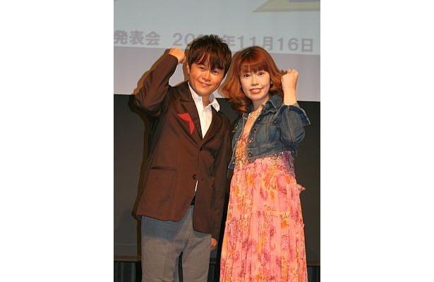 「キングラン アニソン紅白2009」司会の荘口彰久と声優・歌手の五條真由美