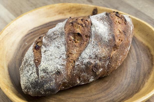 「どんぐりの家のパン」400円
