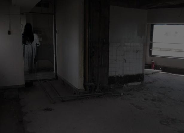 開催地は、リアルな廃墟