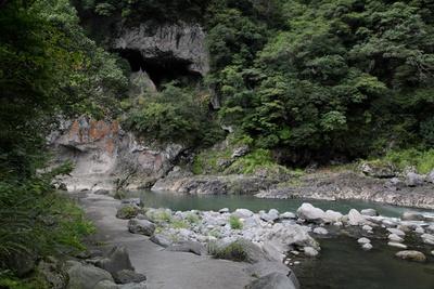 旅館の目の前に流れる玖珠川沿いに整備された遊歩道。入浴後の散策に最適だ