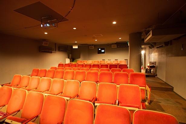 「日田シネマテーク・リベルテ」映画館ではいまでは珍しい映写機を使用する
