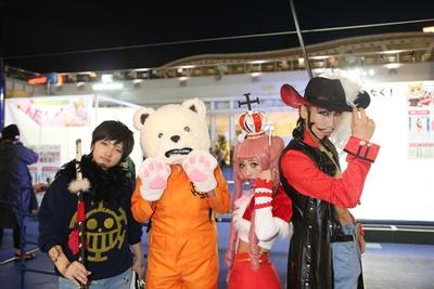 コスサミ前夜祭では多くのコスプレイヤーが記念撮影を楽しんだ