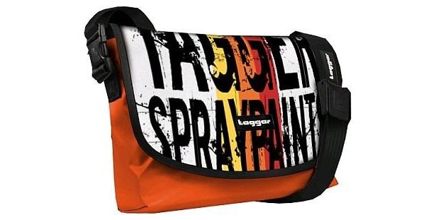 バッグ、ストラップ、フラップを替えると違った雰囲気のバッグに!