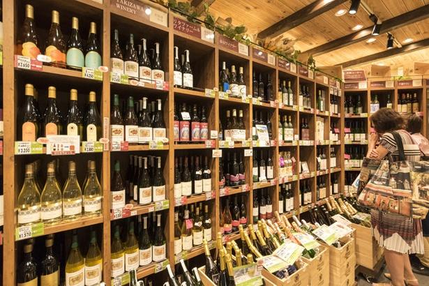 Wine&Cheese 北海道興農社/ワイナリーごとに商品を陳列