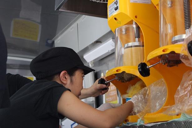 マンゴーの果汁を凍らせて削ったかき氷は、とにかく舌触りが滑らかでとても柔らか