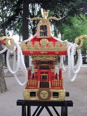 亀有香取神社では、神輿の特別展示も