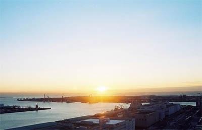 まさに絶景!!初日の出の名所・テレコムセンターから見る初日の出はこんな感じ