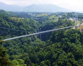 日本百名道にも選ばれる「やまなみハイウェイ」。さあ、出発だ!