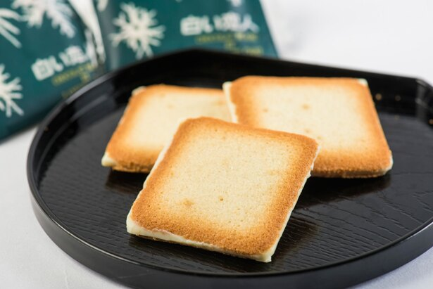 札幌市の菓子メーカー「石屋製菓」が販売している「白い恋人」(9枚入り576円~)