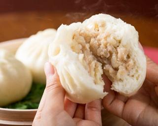 名古屋みやげの定番「ゆかり」は新鮮な海老の身を丹念に焼き上げて作る海老せんべい