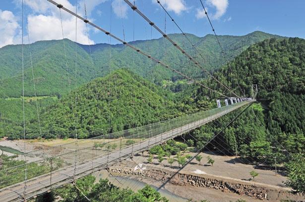 1954年に完成したつり橋/谷瀬の吊り橋