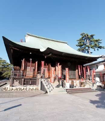高幡不動尊(高幡不動尊金剛寺)は、古くから道中安全の祈願寺として有名