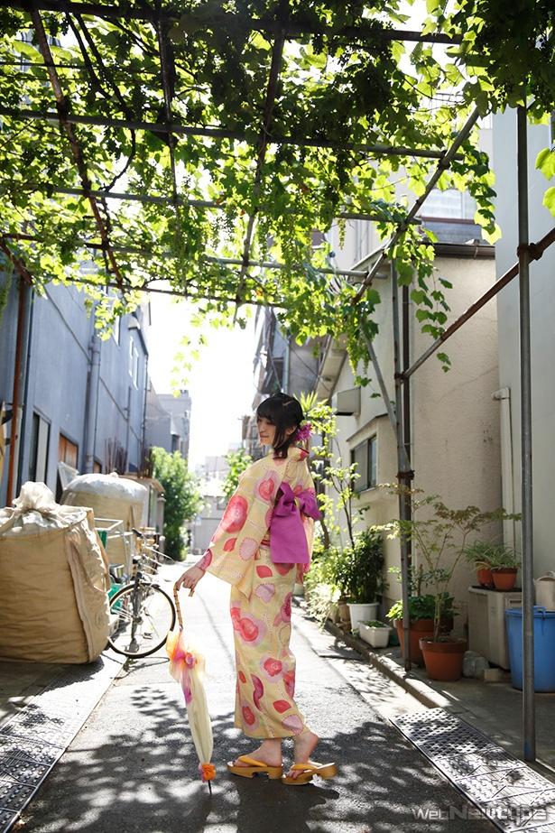 上田麗奈フォトコラム・下町の猫と案山子とチョコレート
