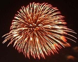 「第33回遠賀町夏まつり 」は、最大7号玉の花火が夜空に大きく映える