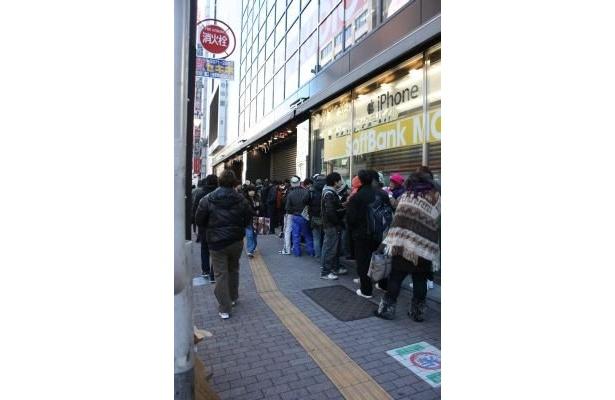 """【""""家電の街""""池袋の正月の風景】「ヤマダ電機 LABI1 日本総本店」には5000人の行列!"""