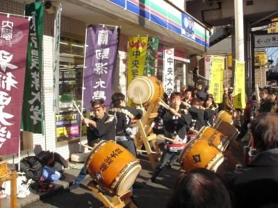 藤塚太鼓の演奏にも力がこもる