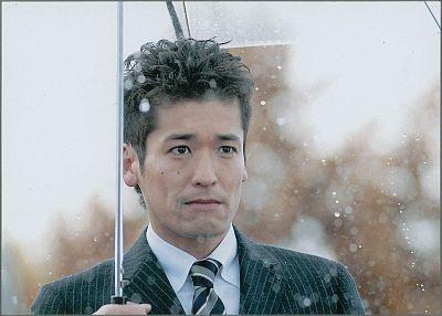 「まっすぐな男」(フジ系)の主演は佐藤隆太。曲がったことが嫌いでまっすぐに人生を歩む青年の成長を描くヒューマンコメディー