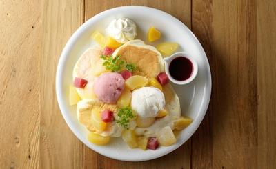 「まるごと白桃レアチーズ」(1600円)