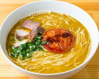 煮干しの魚介スープにスパイスを効かせた味噌ダレの「MISOらぁ麺(細麺)」(800円)。