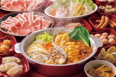 個性豊かなスープとさまざまな具材で味わうしゃぶしゃぶをはじめ、本格飲茶や寿司など、リーズナブルに食べ放題で楽しめる「MKレストラン」