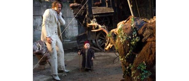 謎の男トニーに扮するヒース・レジャーとの息もピッタリ?